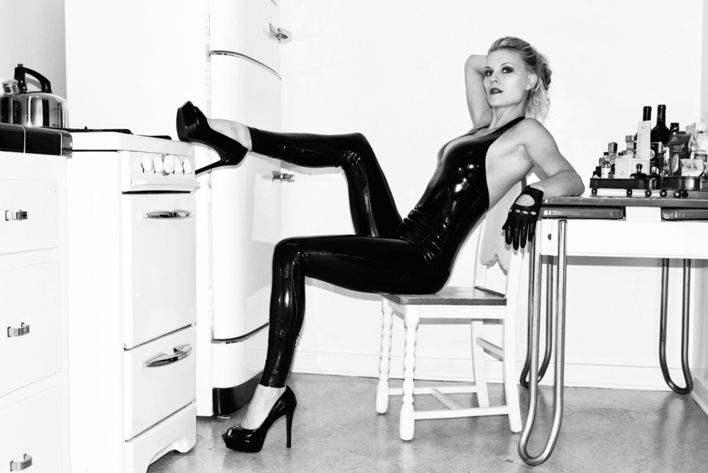 Visiting Swedish Mistress arrives this weekend! Nov 26 – 29